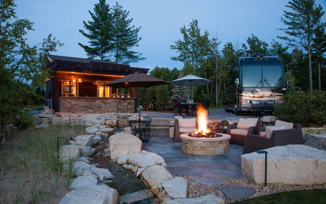 Your Own Private Oasis at Hearthside Grove Motorcoach Resort